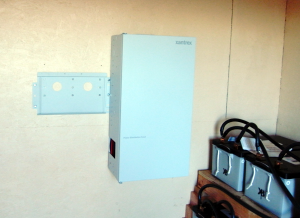 Mounting the inverter